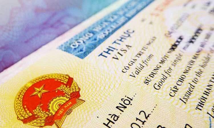 """Xin visa sang Mỹ: Cứ """"bình bình"""" lại dễ được cấp"""
